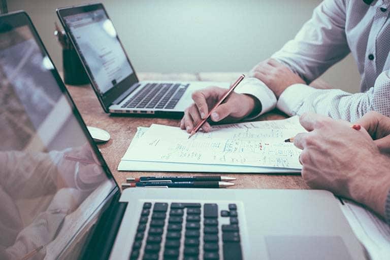 desk-writing-work-hand-man-working-596254-pxhere.com_